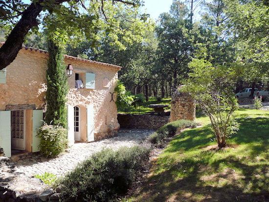 Luberon holiday homes accommodation cottages vacation for Le mas du luberon