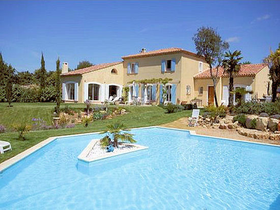 Luxury villa in Jouques, Provence, area around Aix-en-Provence