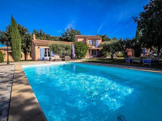 latest french holiday villas with maison du monde aix en. Black Bedroom Furniture Sets. Home Design Ideas