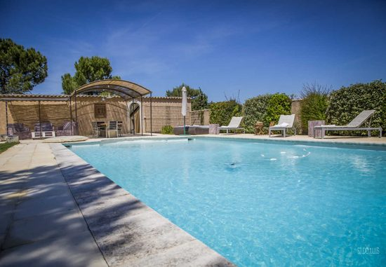 Holiday rental country house in saint remy de provence for Cash converter salon de provence