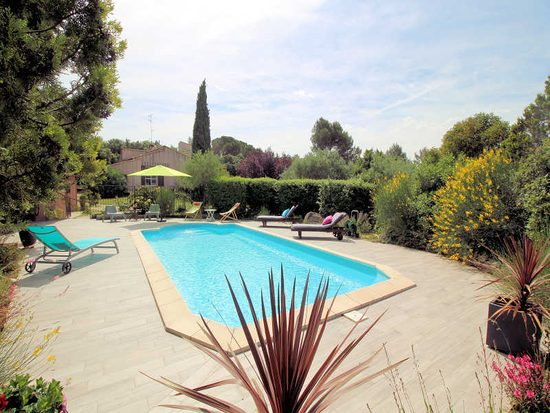 holiday rentals in arles and the alpilles: provence villas selection