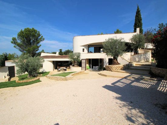 cheap villa lucrecia holiday rental in provence of the. Black Bedroom Furniture Sets. Home Design Ideas